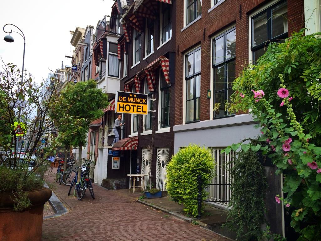 Отель в Амстердаме