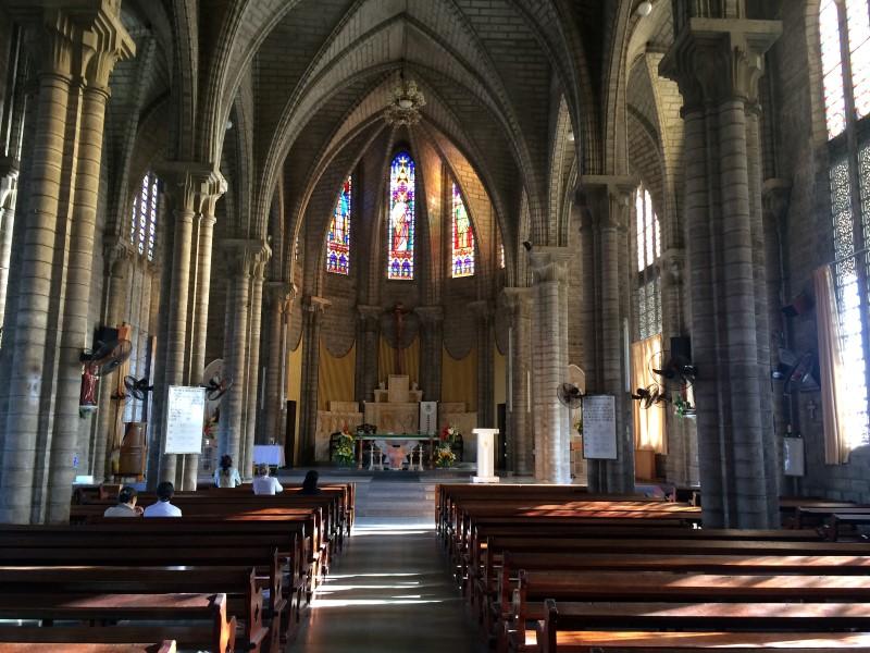 Достопримечательность Нячанга - кафедральный собор
