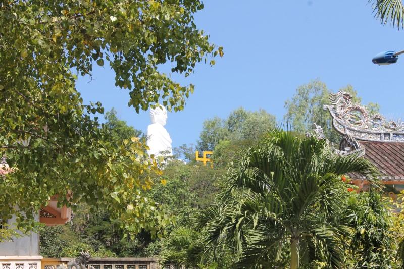 Достопримечательность Нячанга - пагода Лонг Сон