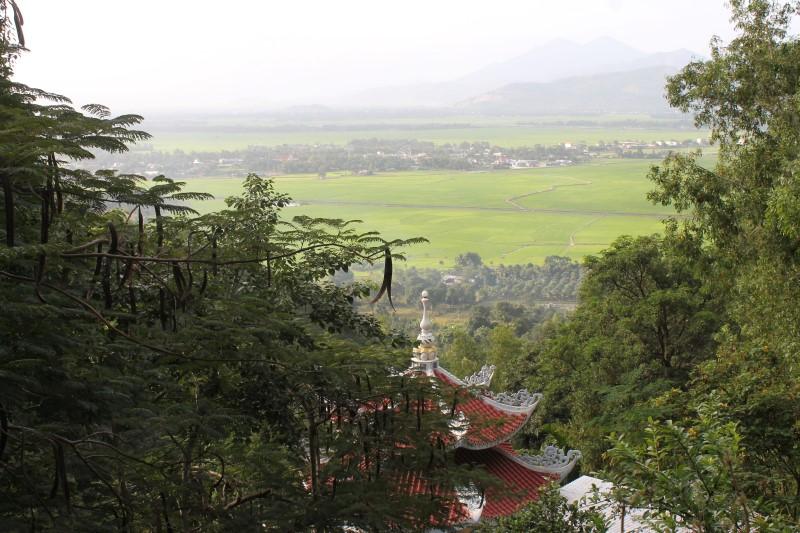Храм в горах Вьетнама