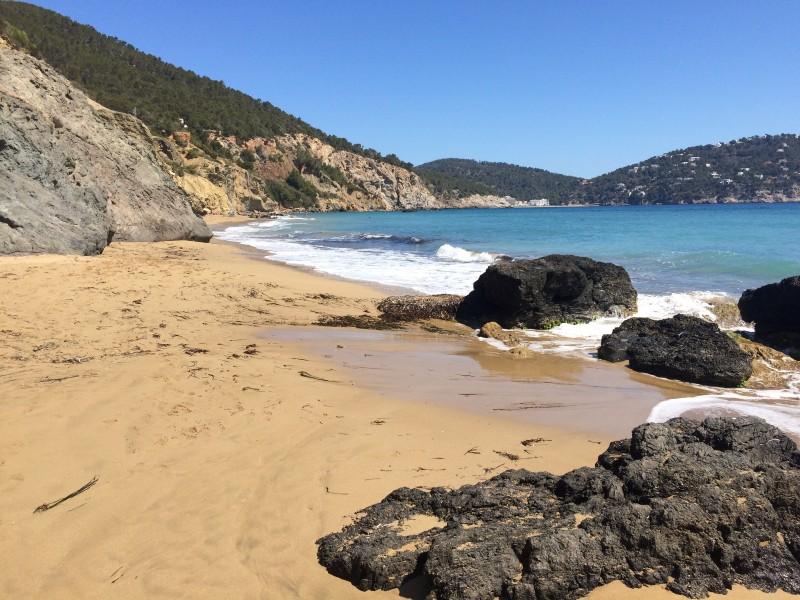 Нудистский пляж Ибица Aiqua Blanca