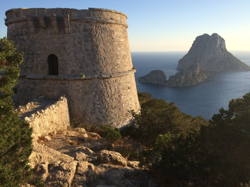 Закат на Ибице - скала es Vedra