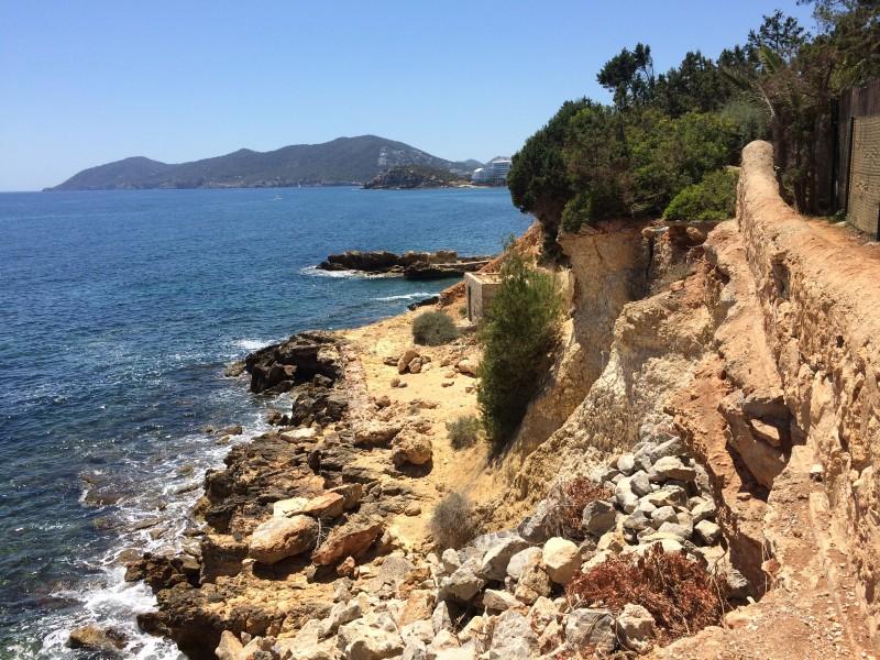 Дикий пляж Ибицы
