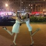 Подружки большого города — Аленка и Дашка